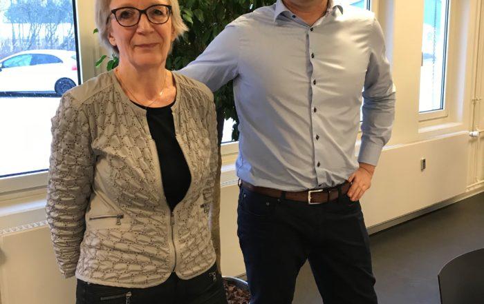 Inger Hessellund går på efterløn, efter 38 års ansættelse, her ses hun med hendes chef - Jørk Rudolph