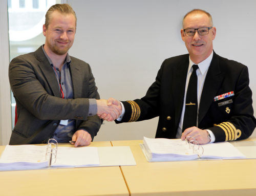 Signs a 4 years agreement with the Danish Defence